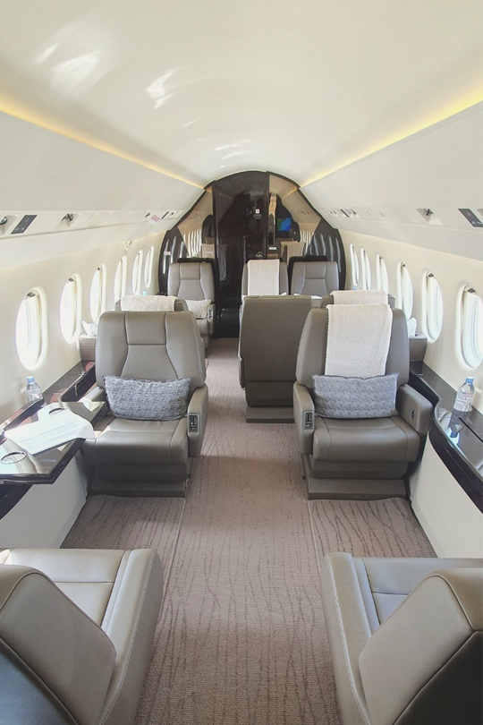 private jet inside - privatni avion iznutra